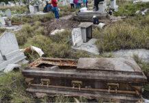 Detienen a dos profanadores de tumbas